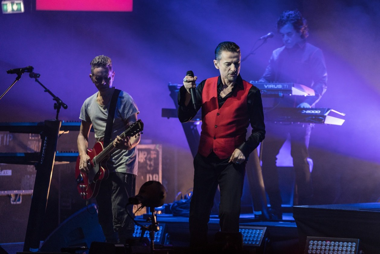 Depeche mode depeche mode live 7 16 die - Depeche mode in your room live 2017 ...