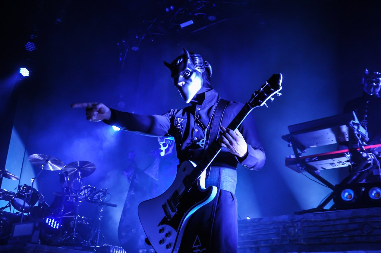 Body and Blood! Ghost live im Schlachthof Wiesbaden. – Are you on the square? Are you on the level?