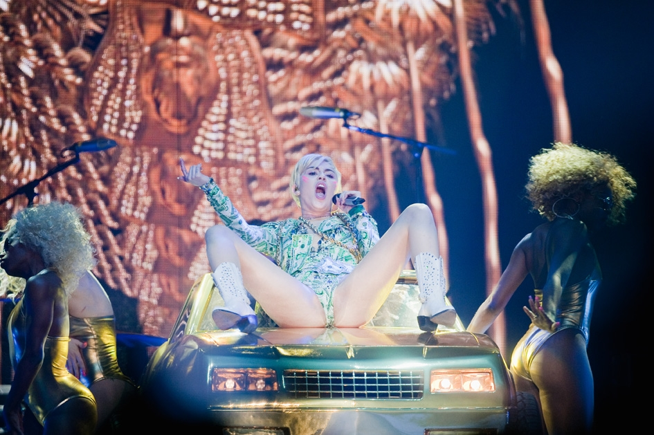 Miley Cyrus – ... Festhalle.