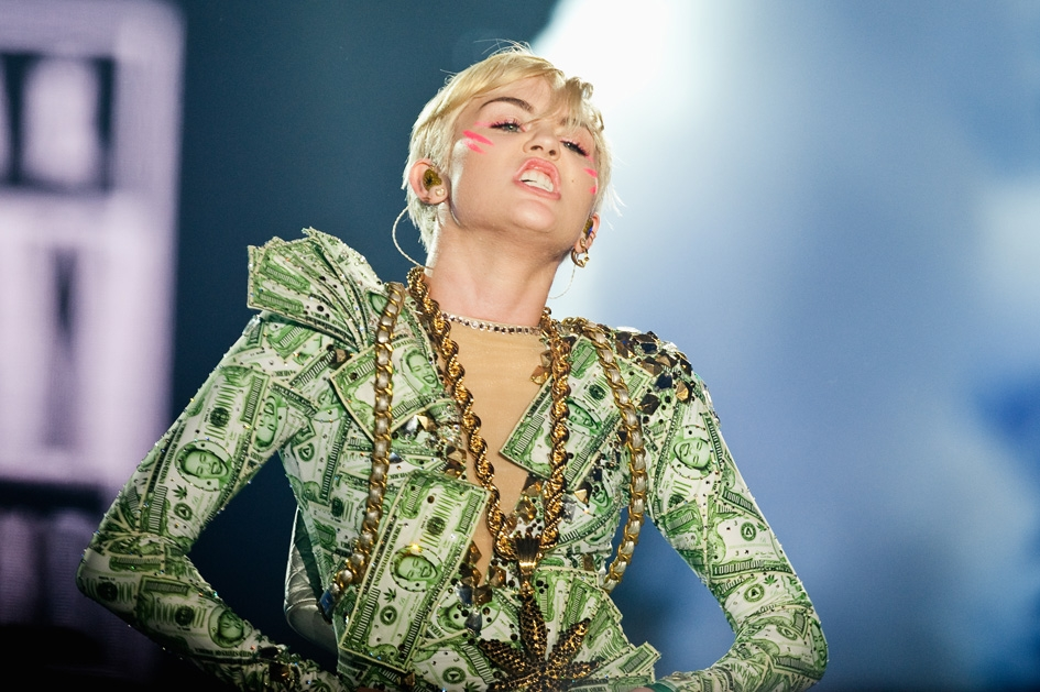 Miley Cyrus – Money, money, money.