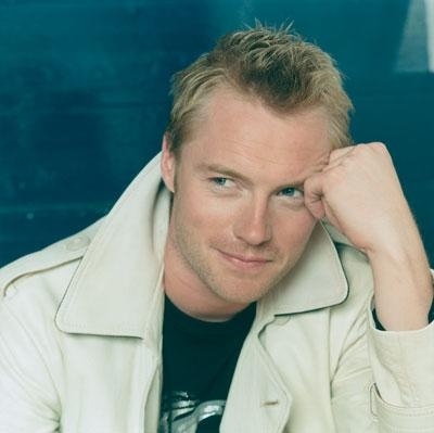 Ronan in Pose ... – Ronan Keating