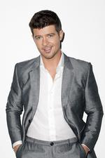 "Robin Thicke: ""Give It 2 U"" feat. Kendrick Lamar & 2 Chainz"
