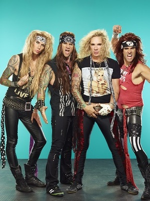 Vorchecking: Steel Panther, Elaiza