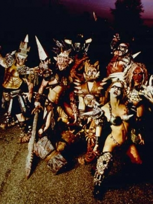 GWAR: Silikontruppe mit Pet Shop Boys-Cover