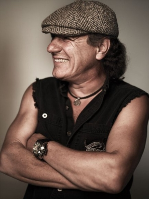 "AC/DC: Neuer Clip zu ""Rock The Blues Away"""