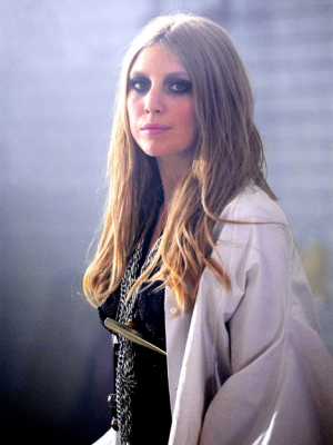 "Lykke Li: Der Clip zu ""Never Gonna Love Again"""