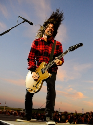 "Foo Fighters: 1000 Musiker spielen ""Learn To Fly"""