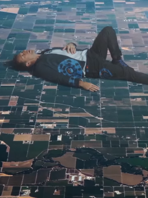 "Coldplay: Surreales Musikvideo zu ""Up&Up"""