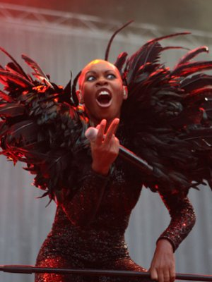 "Skunk Anansie: Stromschläge im Video zu ""Without You"""