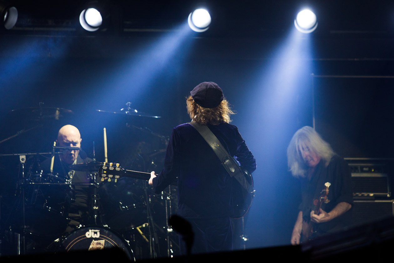 AC/DC – Chris Slade an den Drums und Basser Cliff Williams.