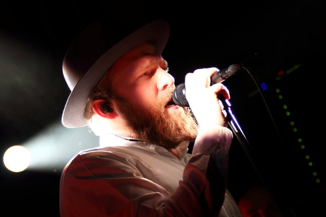 It feels like he came really close that night! – Alex Clare in Berlin.