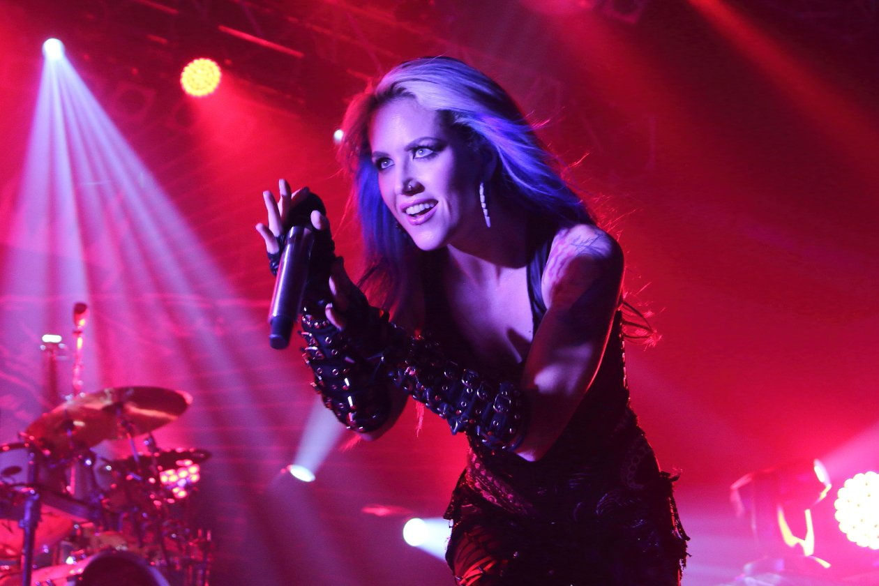 Arch Enemy – Applaus.