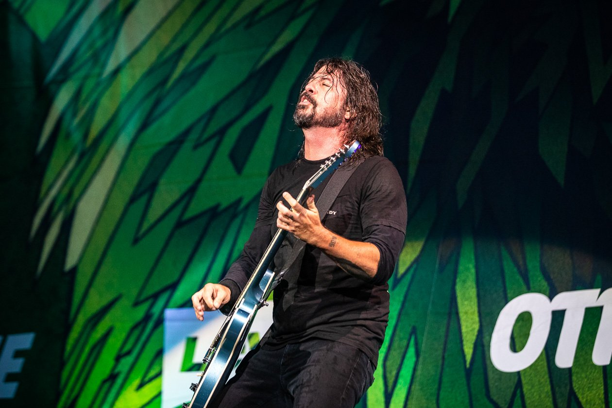 Foo Fighters – Foo Fighters.