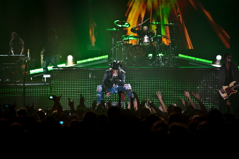 Axl Rose und Band in der St. Jakobshalle. – Guns N' Roses.