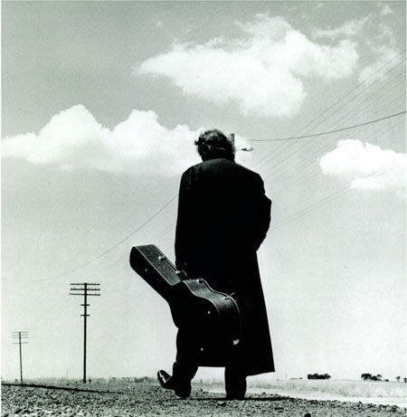 Johnny Cash – The man comes around.