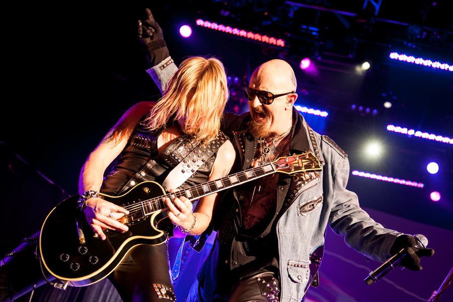 Judas Priest – Die Metal-Urviecher in Düsseldorf. – Richie Faulkner und Rob Halford.