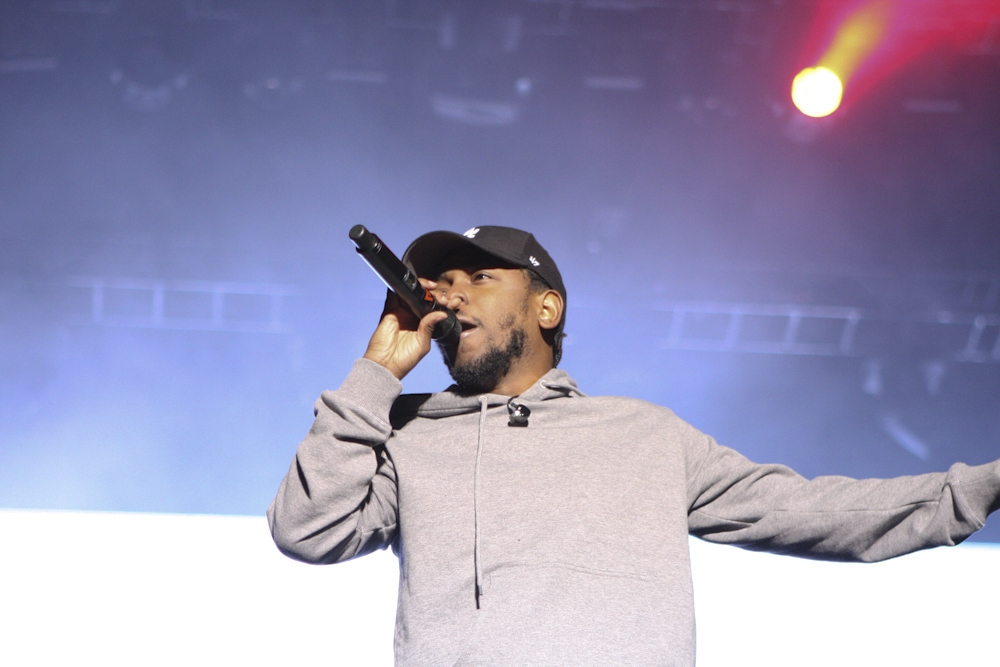 Kendrick Lamar – Kendrick on stage.