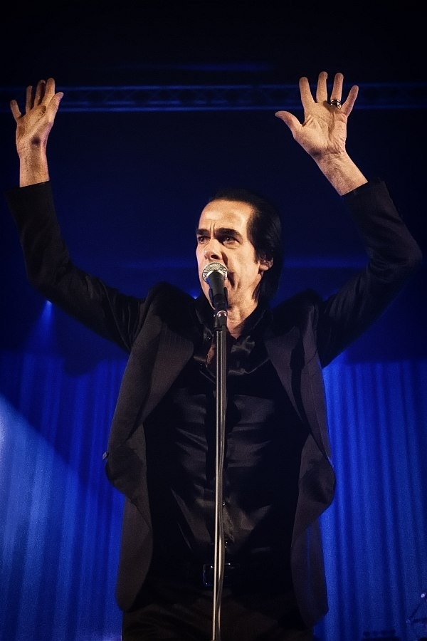 Nick Cave – Beim einzigen Record-Release-Gig in Deutschland. – Hands up, Mr. Cave.