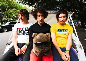 https://www.laut.de/The-Wombats/the-wombats-69555.jpg