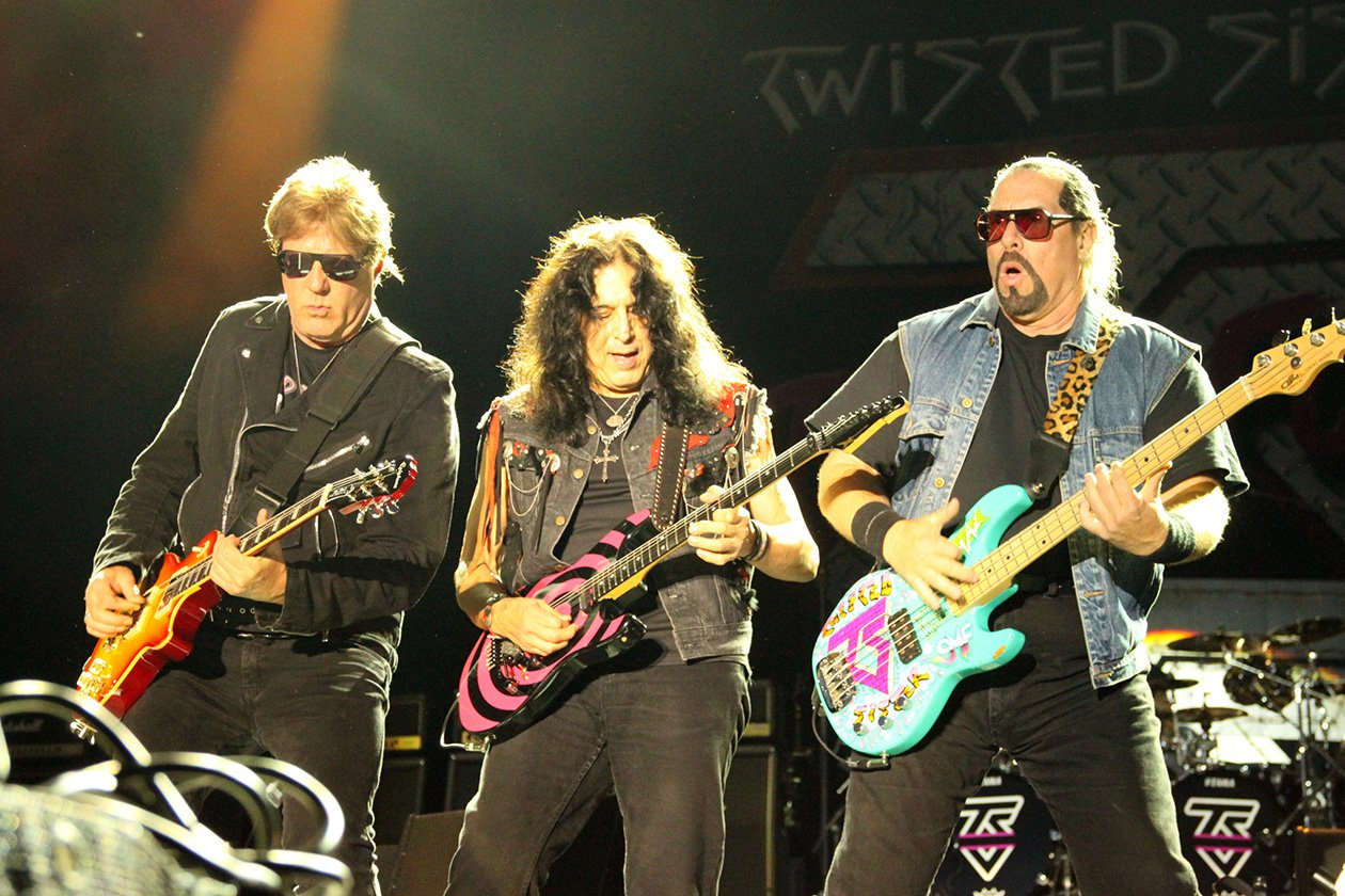 Twisted Sister – Twisted Sister.