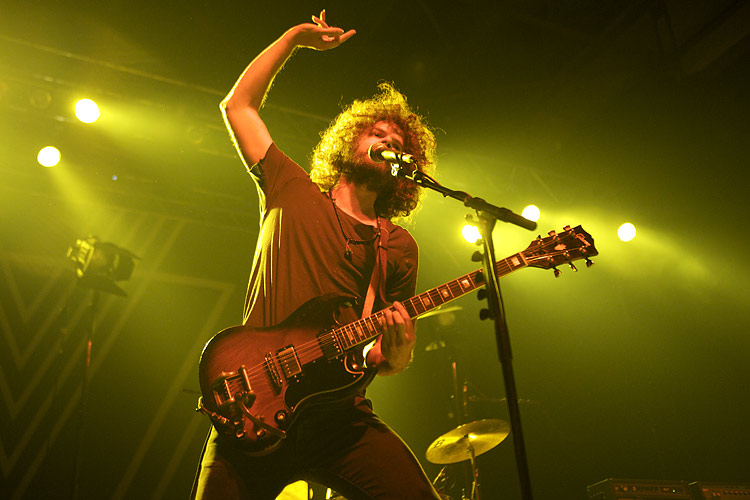 Return of the Wuschelkopf: Wolfmother rocken das Palladium. – Wolfmother rocken das Kölner Palladium.