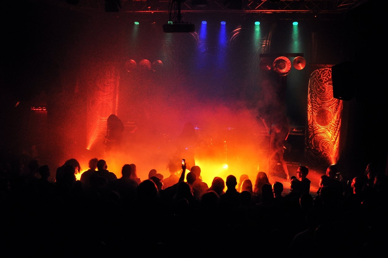 "Wolves In The Throne Room – Wolves In The Ruhrpott: ""Thrice Woven"" live in Bochum. – Born From The Serpent's Eye."