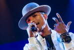 Coldplay und Pharrell Williams,  | © laut.de (Fotograf: Peter Wafzig)