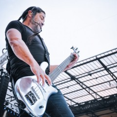 Robert Trujillo.