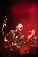 Schuh-Plattler: QOTSA covern Arctic Monkeys
