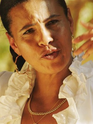"Neneh Cherry: Neues Video zu ""Natural Skin Deep"""