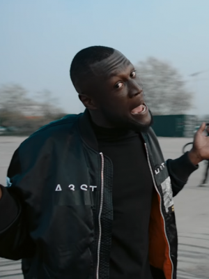 Glastonbury: Stormzy und 100.000 Fans dissen Boris Johnson