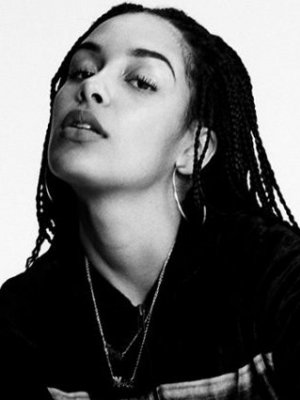 "Jorja Smith: Neues Video zu ""Be Honest"""
